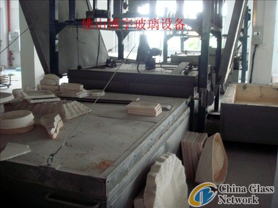 Glass circle melting furnace