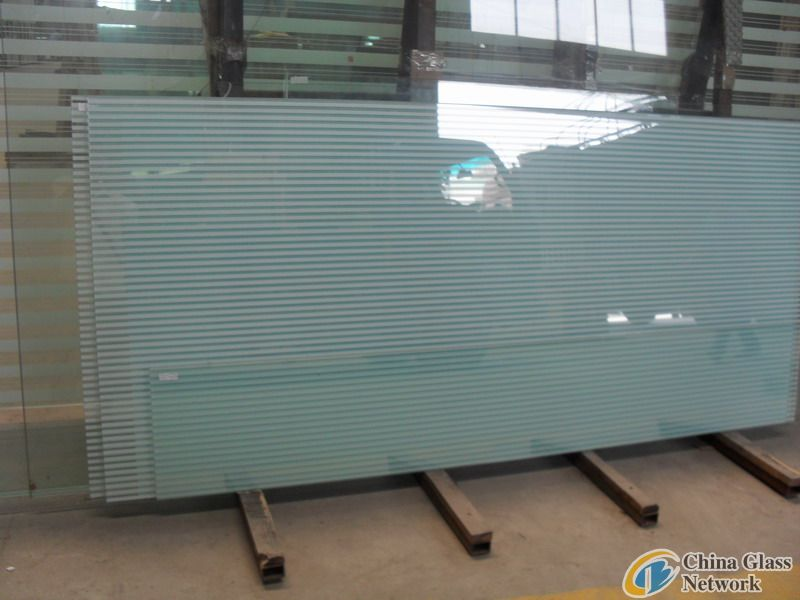 Ceramic laminated glass