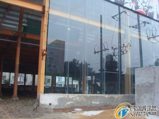19mm Tempered glass(Used for car exhibition hall, the sales department, the sun room, hotel)