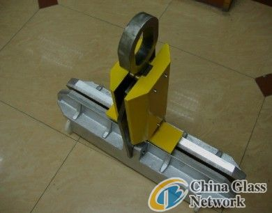 Glass Lifting Clamp