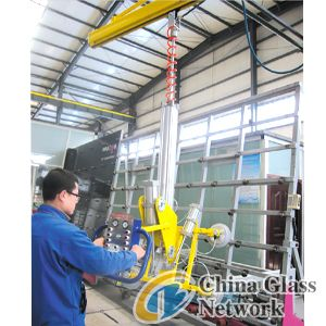 Cantilever glass manipulator