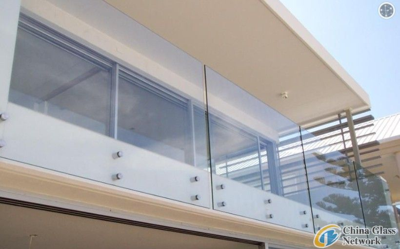 Clear toughened glass baluster