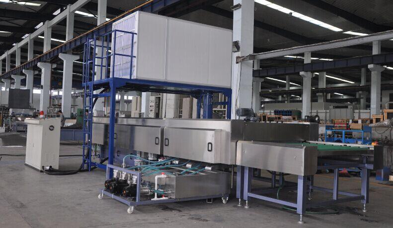 Solar photovoltaic glass washing machine