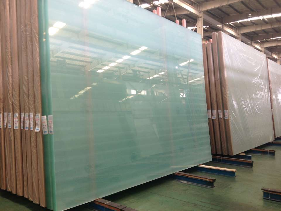 ULTRA CLEAR FLOAT GLASS 3MM TO 19MM WITH ANY STANDARD SIZE OR JUMBO SIZE