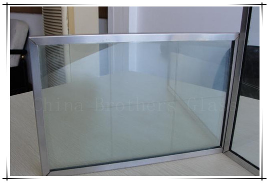 Energy saving vacuum insulated glass