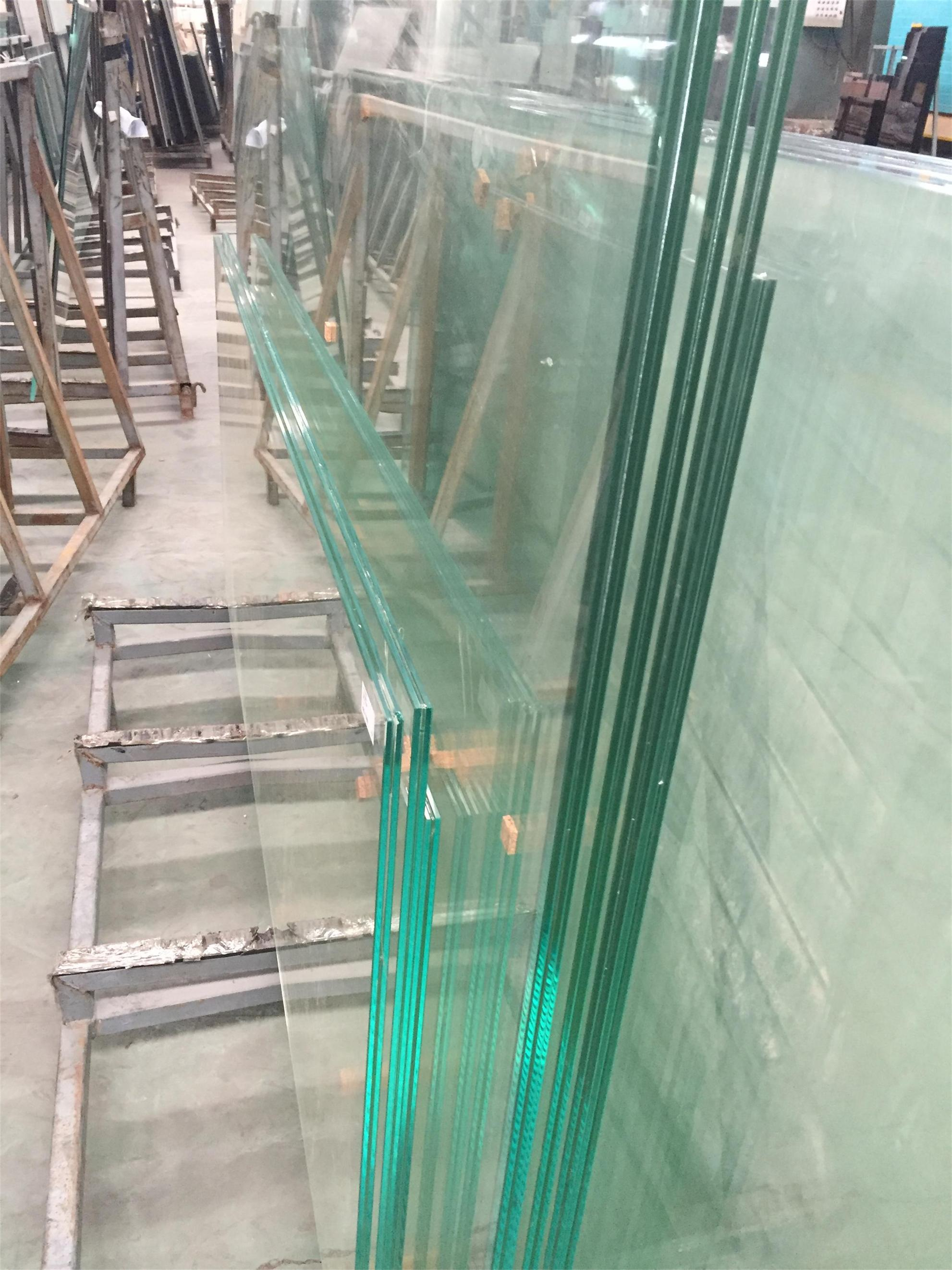 Clear and Colorful PVB/SGP Laminate Glass