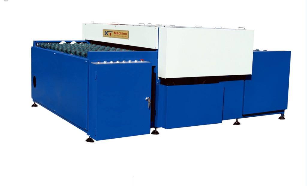 Horizontal insulating glass machine