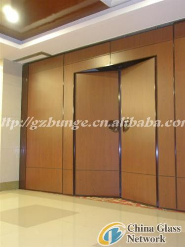 sliding glass doors, hotel par