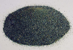 Sand-blasting with abrasive garnet