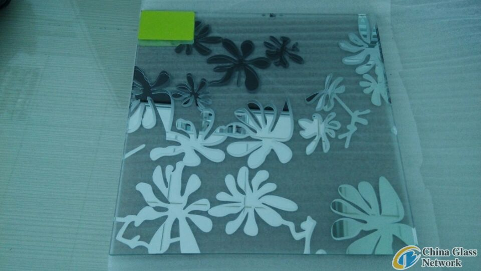 Blossoming flowers acid etched mirror