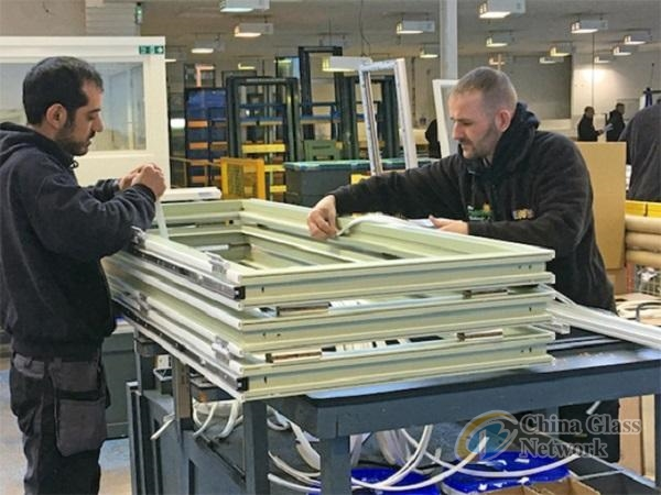 The Folding Sliding Door Company Was Founded By Owner Paul Shearman, Whose  Apprenticeship As A Joiner And Engineer In The German Door Industry Was  Important ...