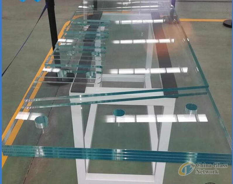 Color Laminated Glass Safety Transluscent  PVB Glass