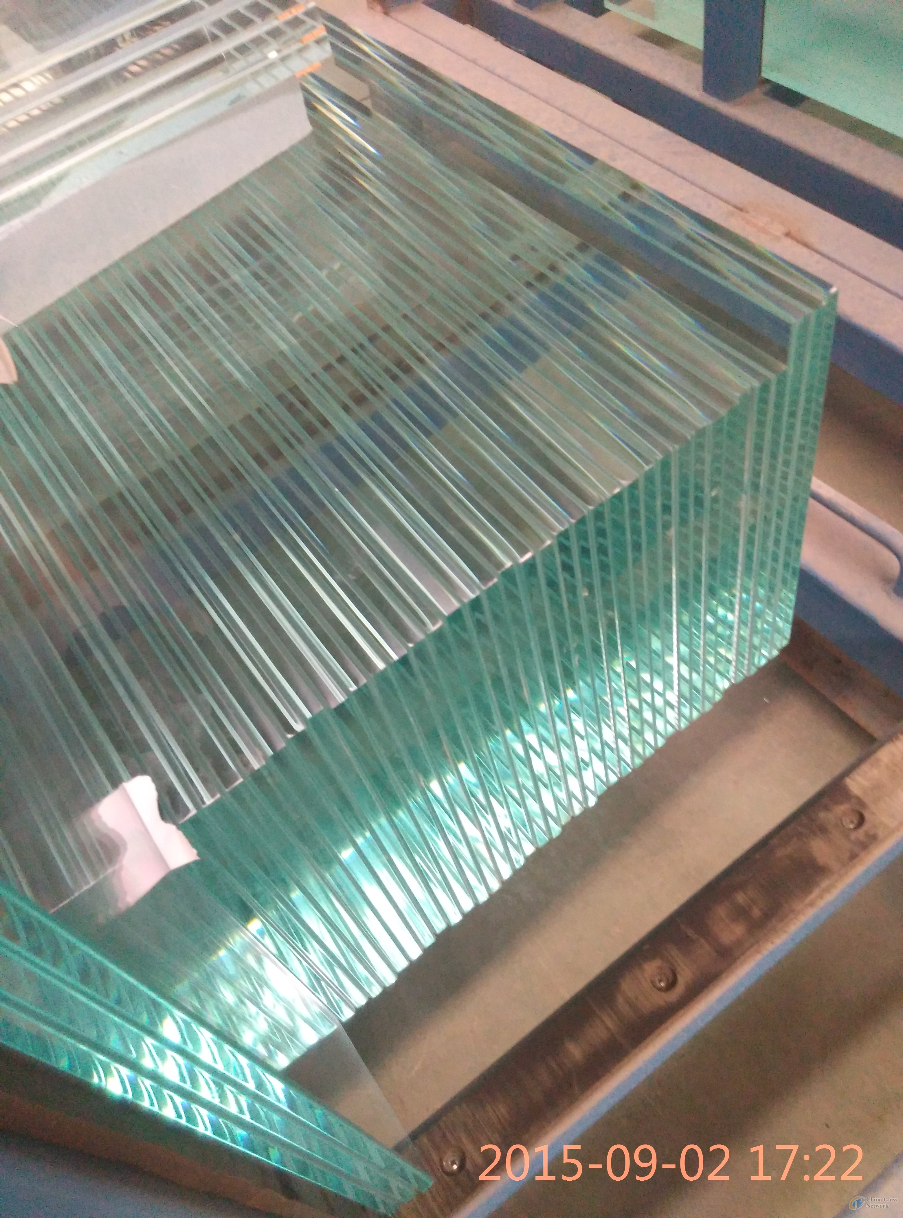 10mm Clear Tempered Glass polished with tapered holes