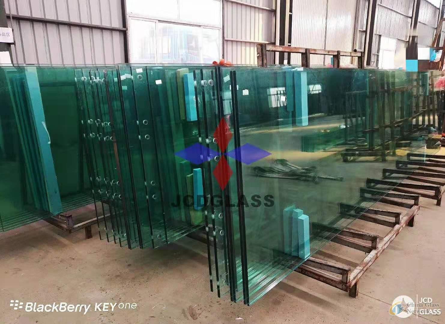 Jumbo size laminate glass