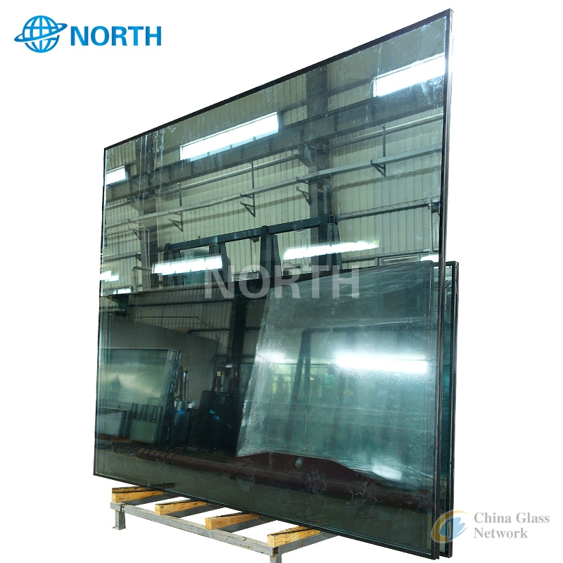 Clear and colored Low e glass