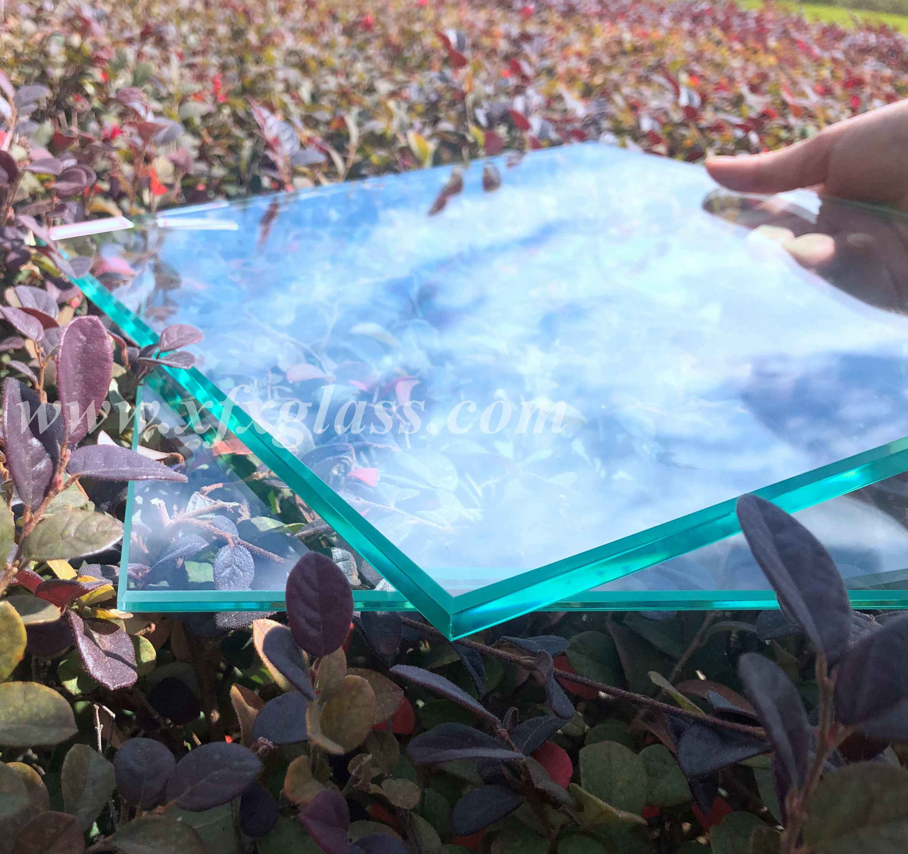 Extra Ultra Clear Low Iron  Reflective Sheet Float Glass 2mm/3mm/4mm/5mm/6mm/8mm/10mm/12mm/15mm/19mm/22mm Factory Price