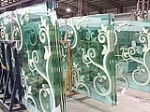 Enamelled glass (colored glazing glass)